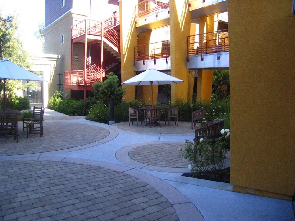 Alexys Paris' Complex's Courtyard